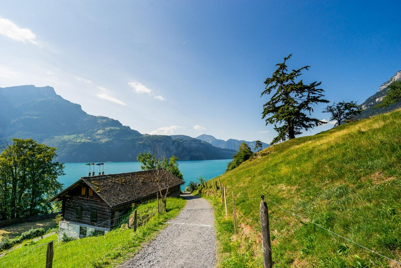 Barbecue spots along the Swiss Path