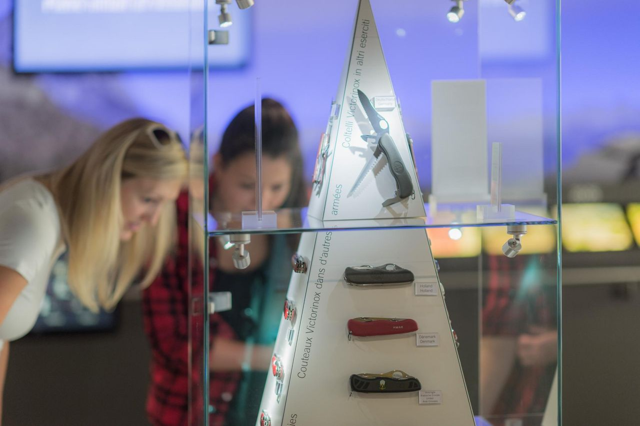 A cutting-edge guided tour – Swiss Knife Valley VISITOR CENTER & Victorinox Museum