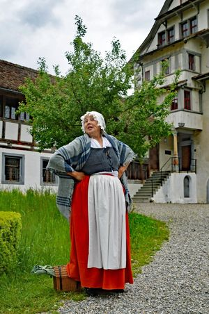 Scenic guided tour – On tour with maid Lisi