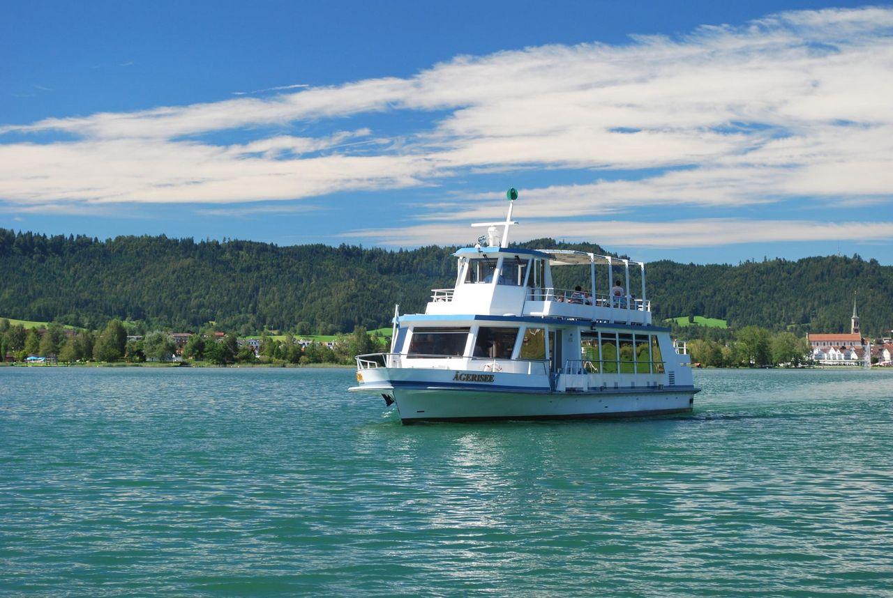 Cruises on Lake Aegeri