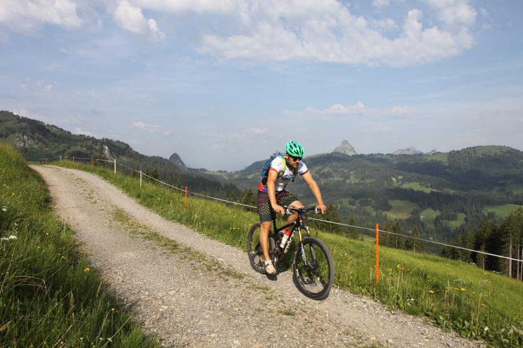Hummel Tour - SwitzerlandMobility Route 970