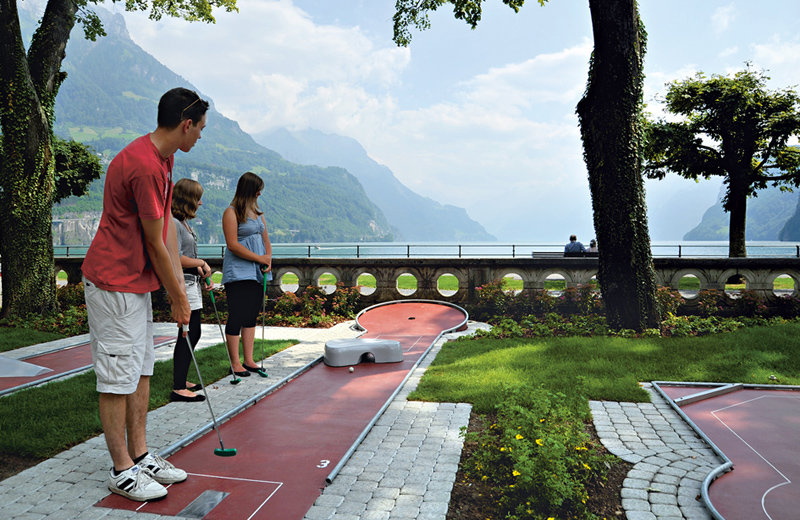 Brunnen Minigolf Course