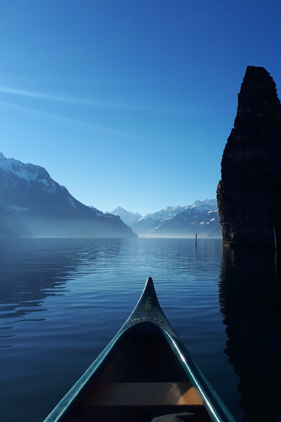 Canoe winter tours on Lake Lucerne